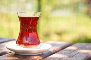 Schwarzer Tee verringert das Eierstock-Krebsrisiko von Frauen